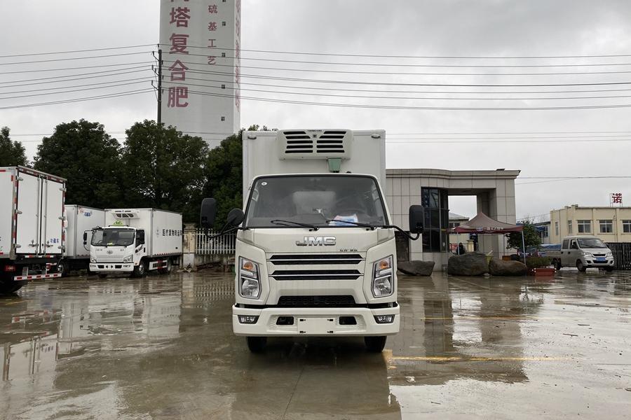 贵州江铃顺达国六窄体冷藏车正前