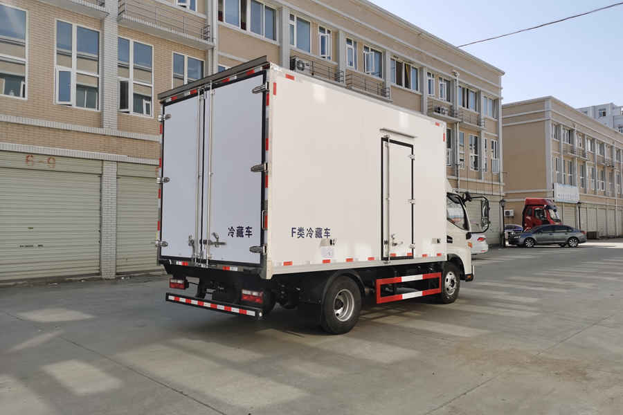 江淮骏铃V6国六4.2米冷藏车斜后