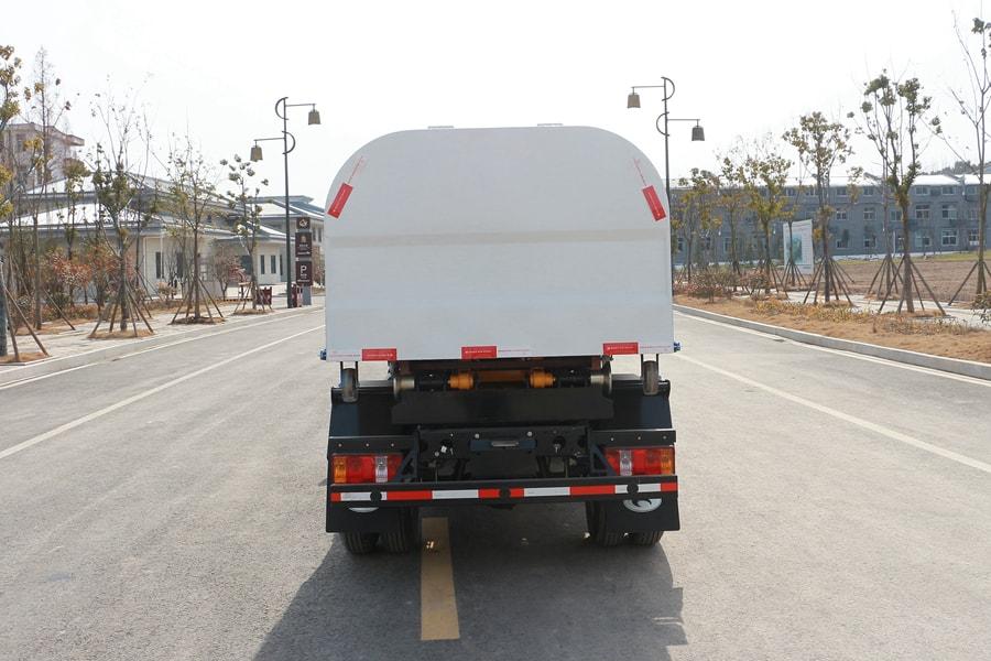 贵州福田时代4立方国六垃圾车正后