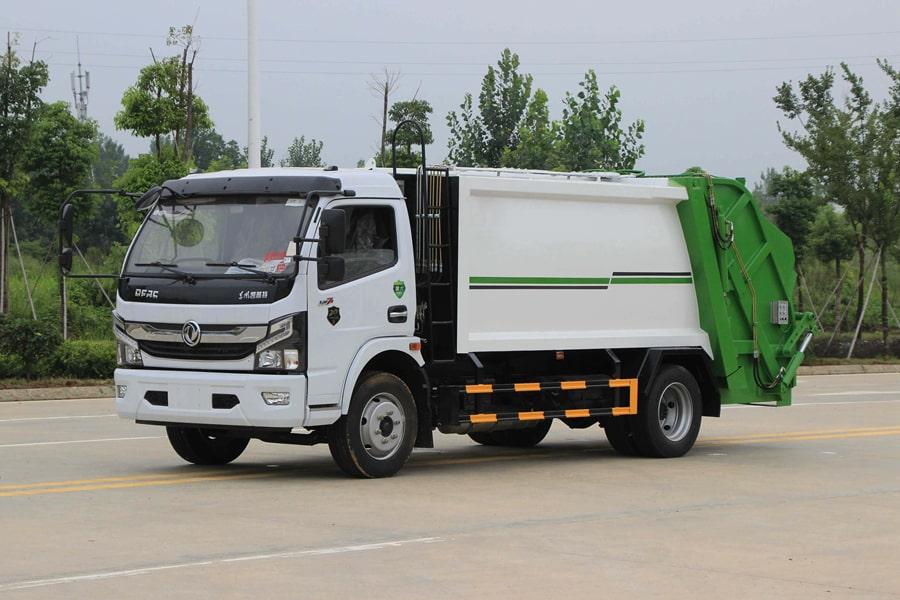 东风5吨压缩式垃圾车图片1