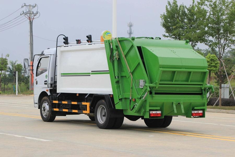 东风5吨压缩式垃圾车图片2