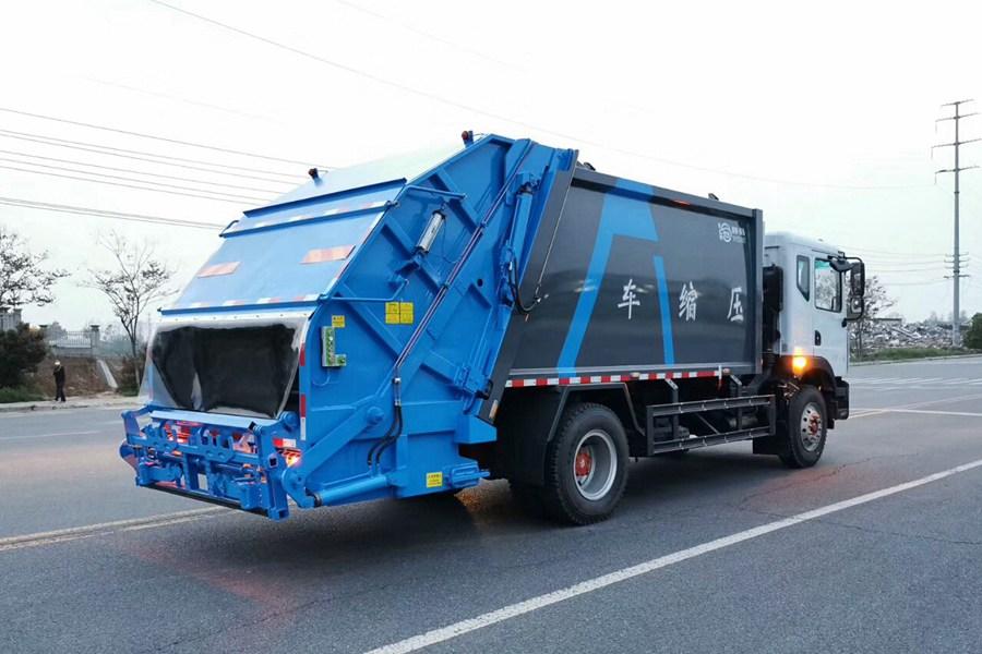 东风12方压缩式垃圾车图片3