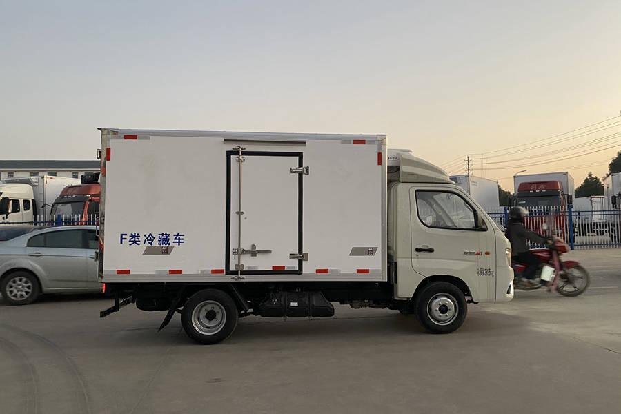 上海福田祥菱M1小型厢式冷藏车详细配置参数及图片
