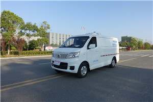 上海长安睿行面包3.5立方冷藏车