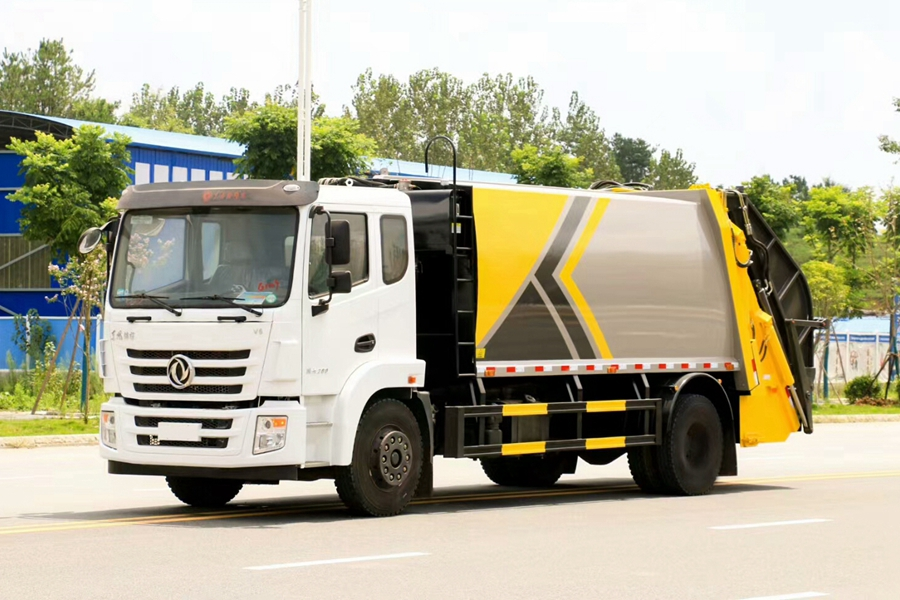 东风景程V5 12立方压缩式垃圾车