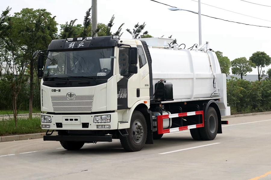 贵州解放J6L 12立方国六餐厨垃圾车