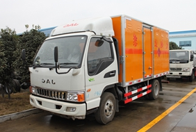江淮骏铃易燃液体3类厢式运输车