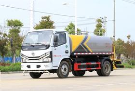 贵州东风5吨洒水车