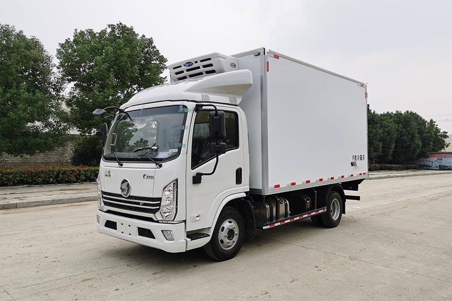 4.2米陕汽潍柴150马力轻量化冷藏车
