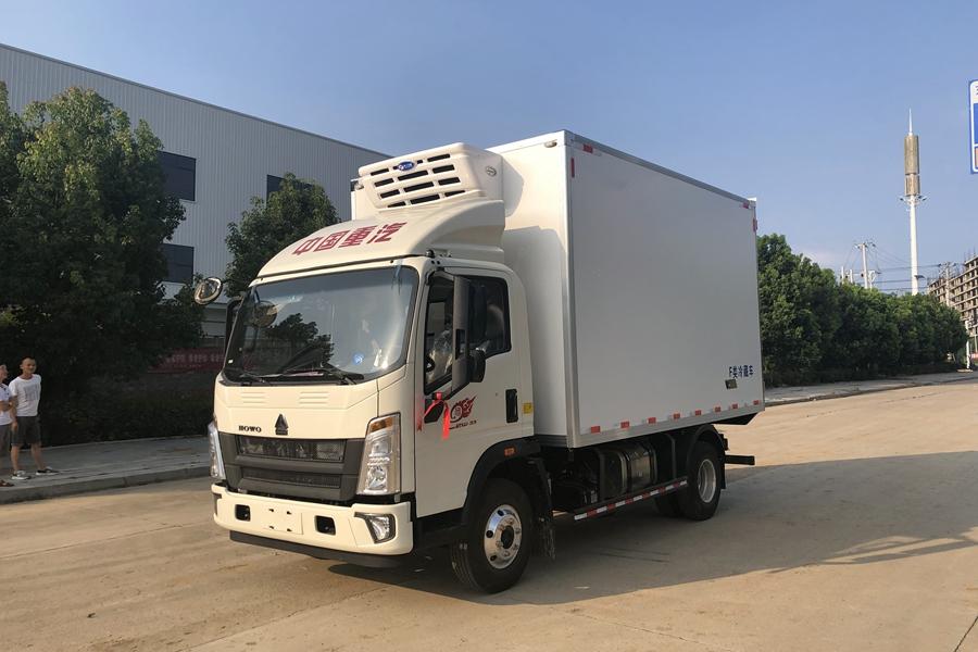 4.2米冷藏车重汽豪沃小金牛冷藏车厂家价格