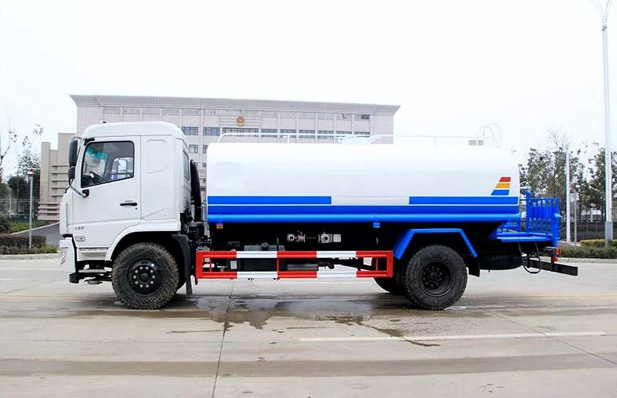 东风专底新款15吨洒水车整车图片B