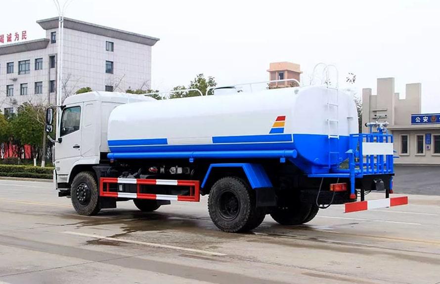 东风专底新款15吨洒水车整车图片C