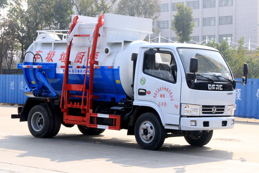 东风5方餐厨垃圾车(车头向右后45度)