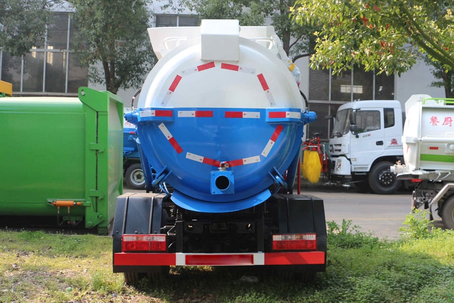 东风5方餐厨垃圾车(正后)