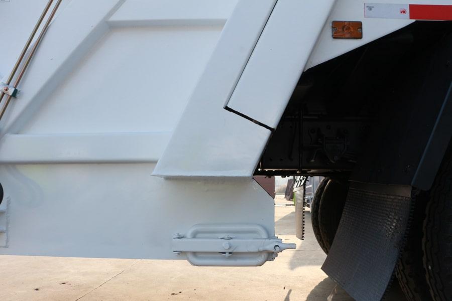 东风12方压缩式垃圾车上装污水箱图片