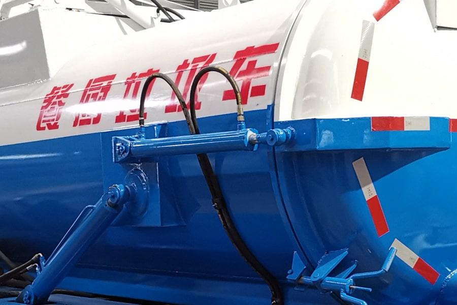东风5方餐厨垃圾车油缸图片