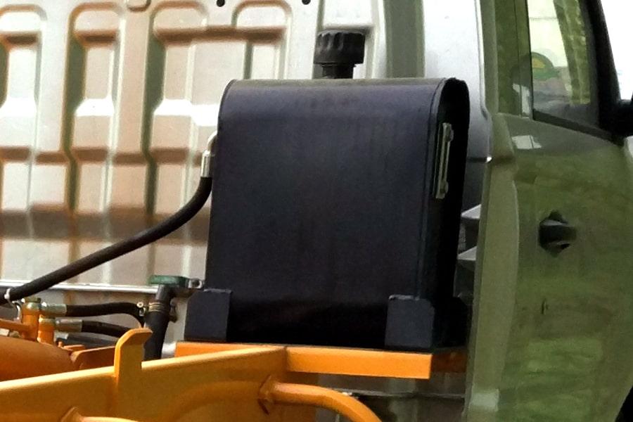 福田4方勾臂式垃圾车液压油箱图片