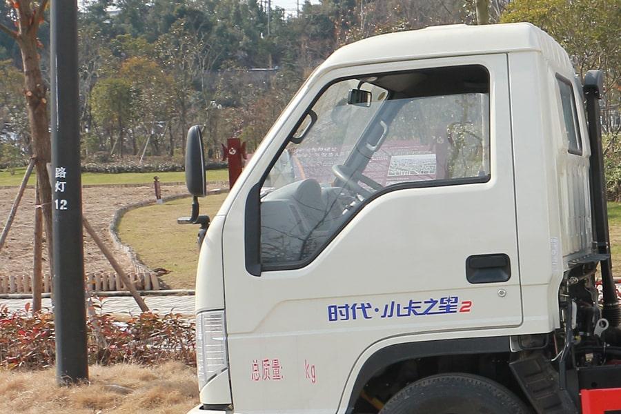福田4方勾臂式垃圾车箱体图片