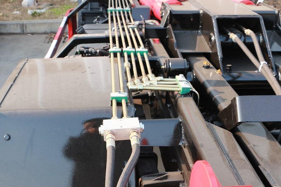 东风4方勾臂式垃圾车油管图片