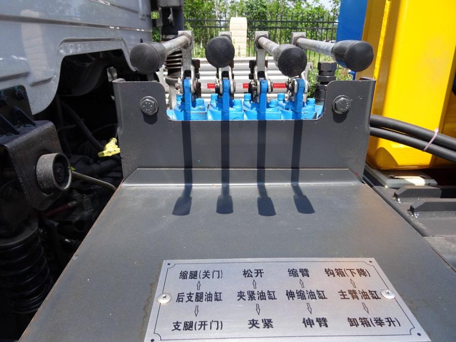 东风天锦12方勾臂式垃圾车操纵杆图片
