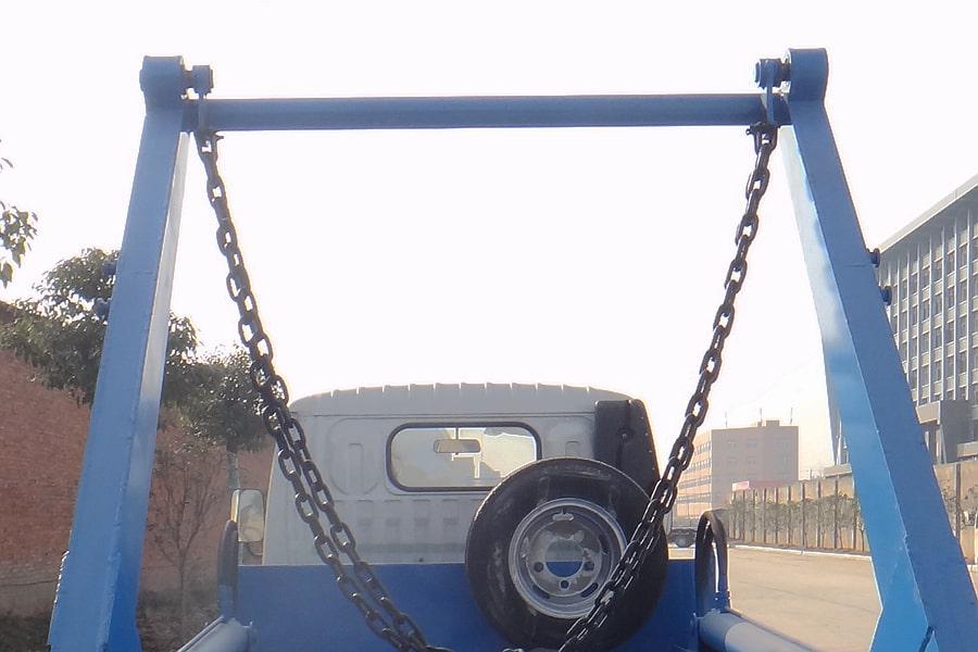 东风4方摆臂式垃圾车摆臂图片