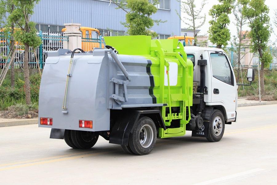 凯马3.5方餐厨垃圾车图片(车头向右后45度)