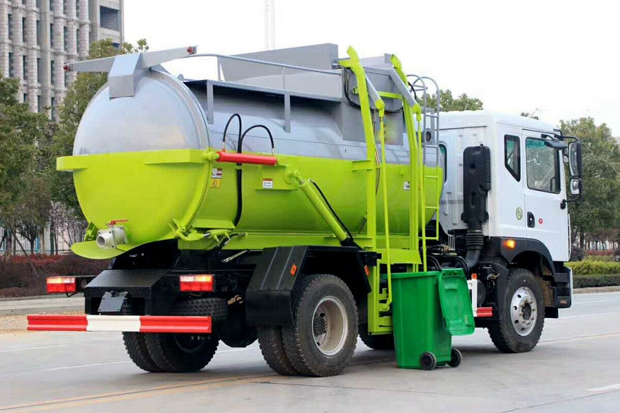 东风D9餐厨式垃圾车(右后方图片)
