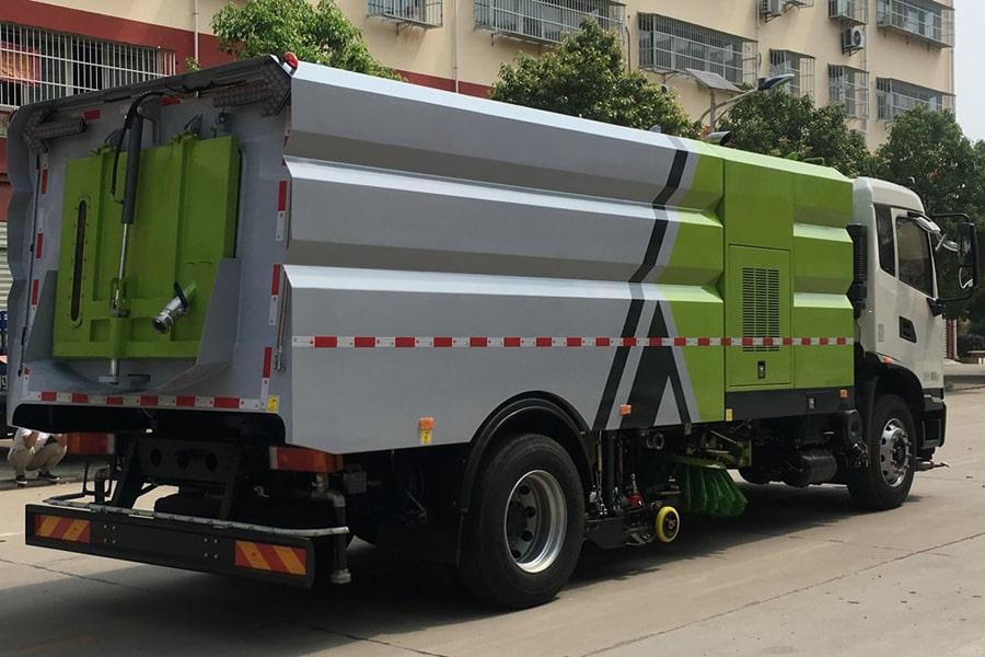 国六东风天锦16方洗扫车右后45度