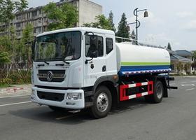 东风D9 12吨洒水车