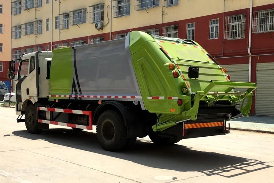 国六解放压缩垃圾车左后侧图片