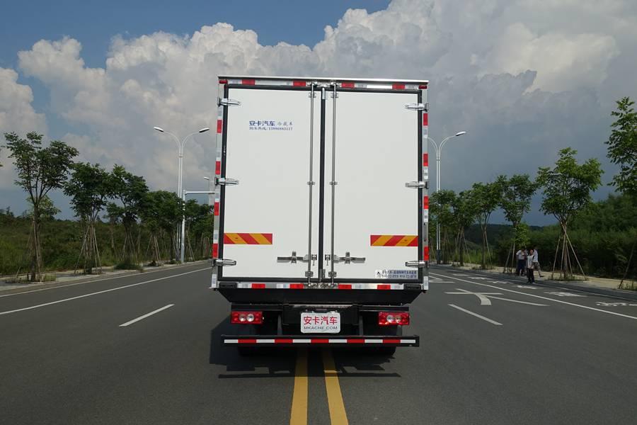 欧马可5.1/5.6/6米冷藏车正后图片