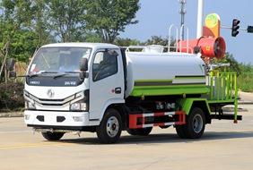 国六东风5吨喷雾洒水车