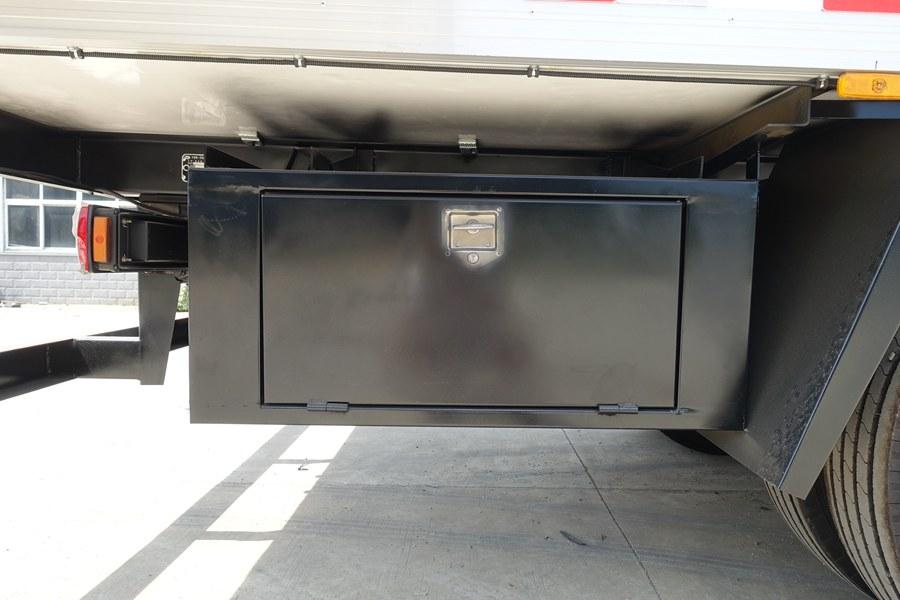 解放J6-6.8/7.5米冷藏车工具箱图片