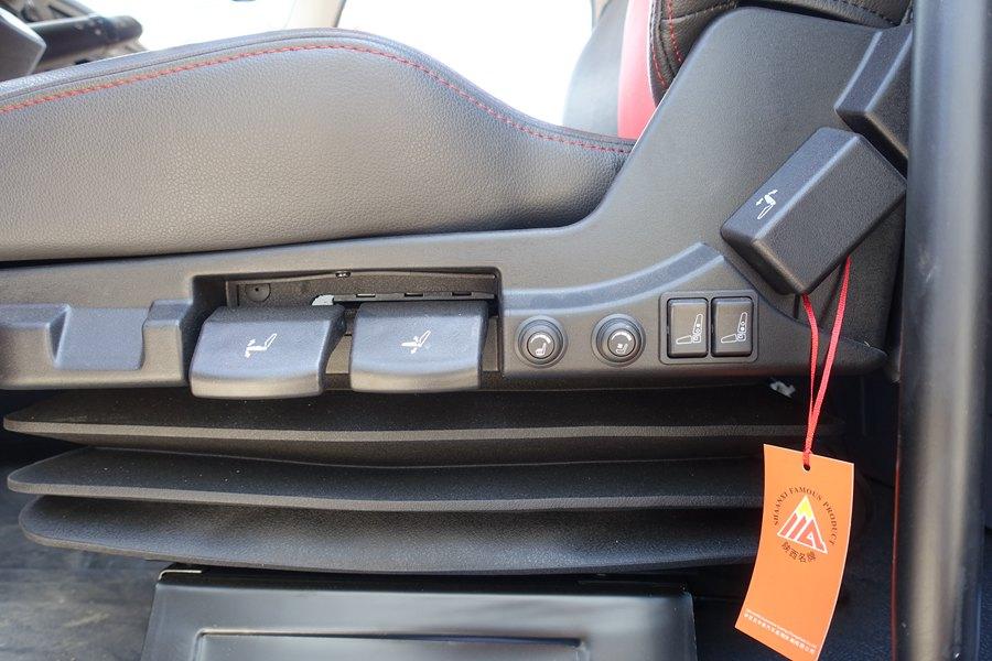 解放J6-6.8/7.5米冷藏车气囊座椅图片