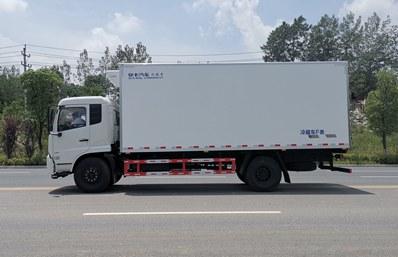 东风天锦6.5米冷藏车正侧图片