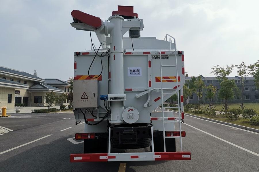 东风10吨散装饲料车后侧视角
