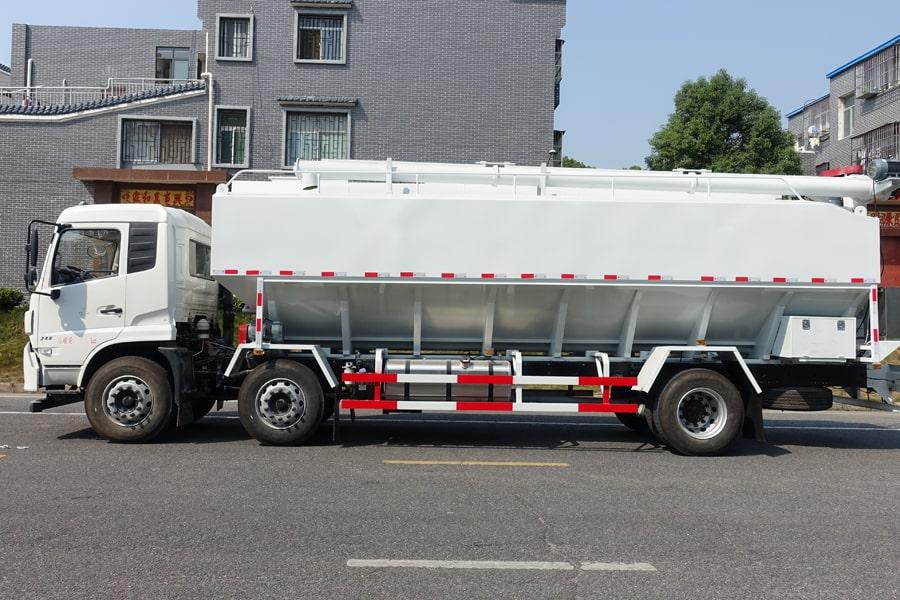 东风15吨散装饲料车左侧视角