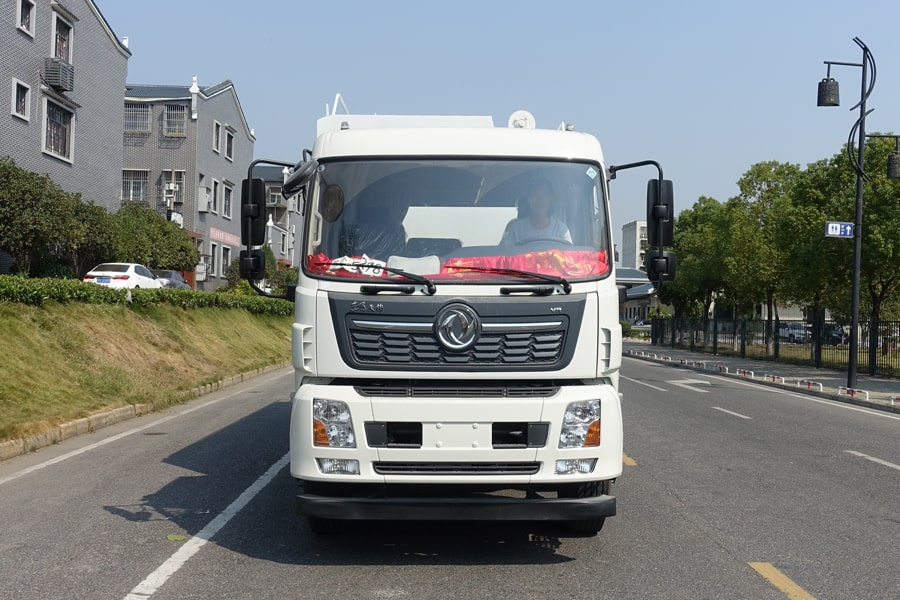东风15吨散装饲料车正面视角