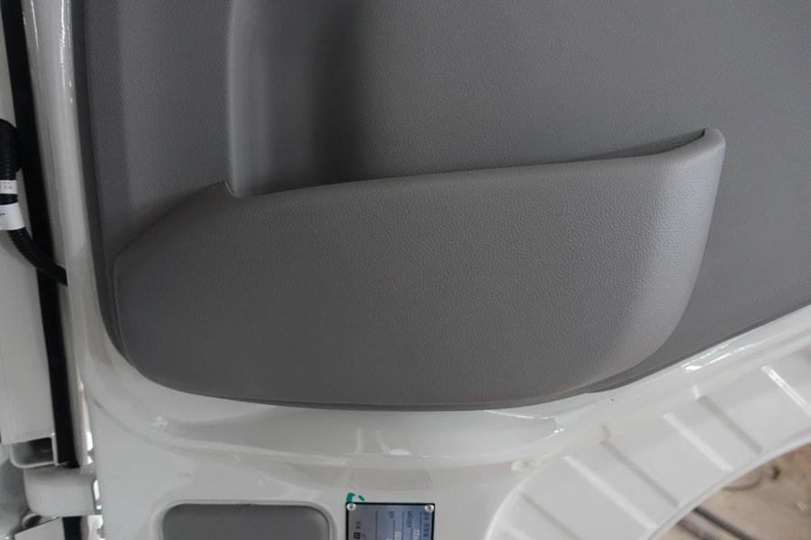 东风15吨散装饲料车门板储物