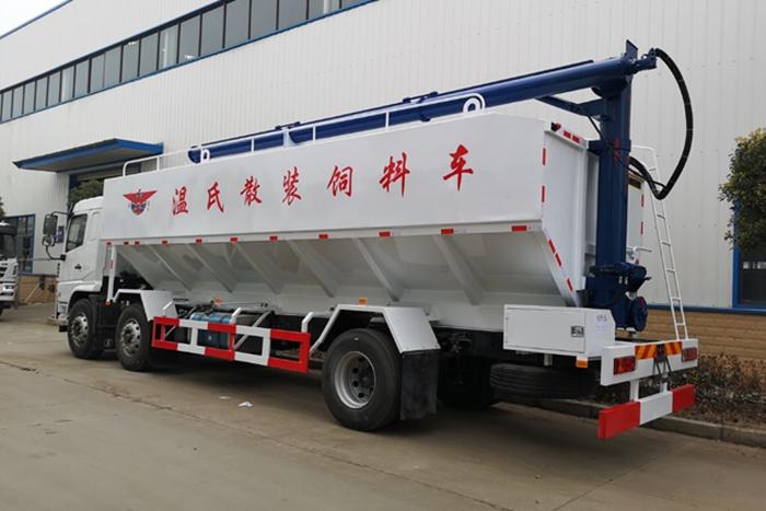 陕汽15吨散装饲料车左后侧45°视角