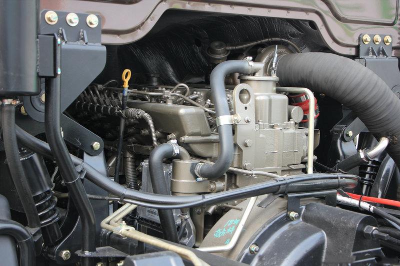陕汽15吨散装饲料车发动机