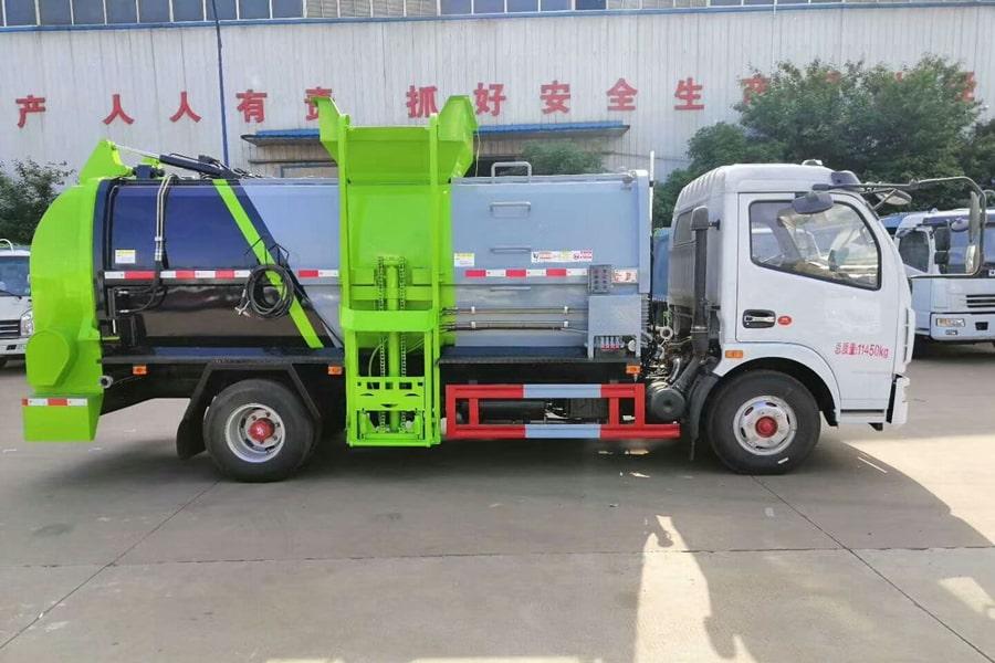 国六5吨餐厨垃圾车右侧图片
