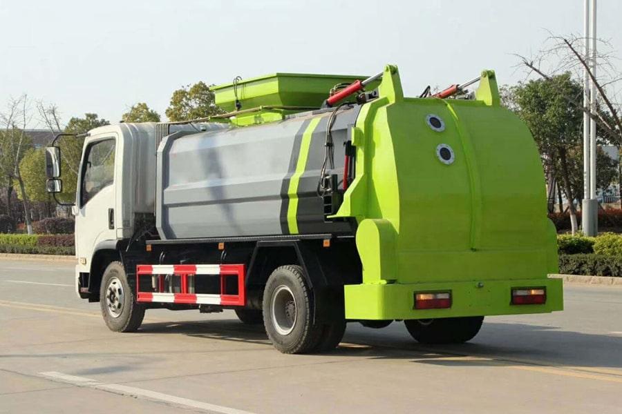 东风8吨餐厨垃圾车左后侧图片