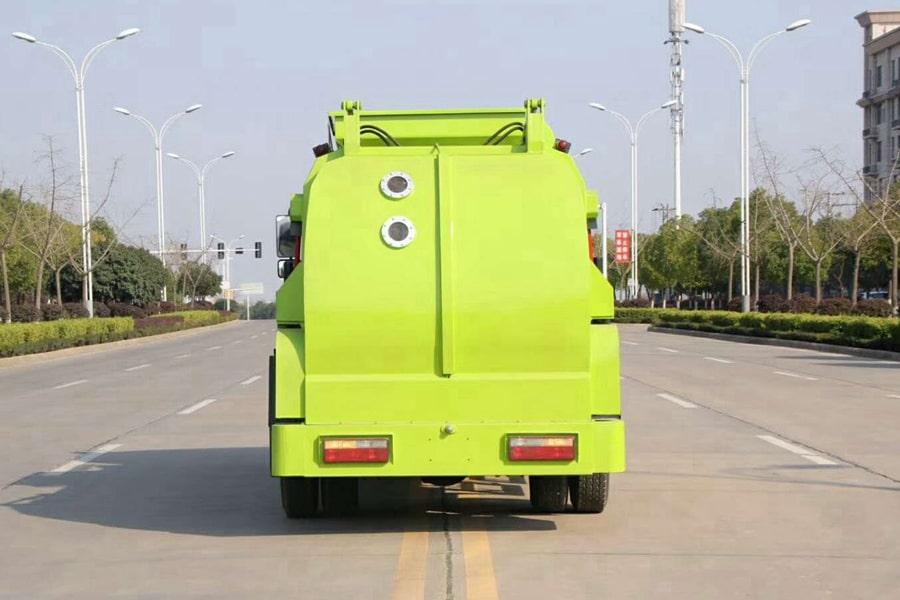 东风8吨餐厨垃圾车后侧图片