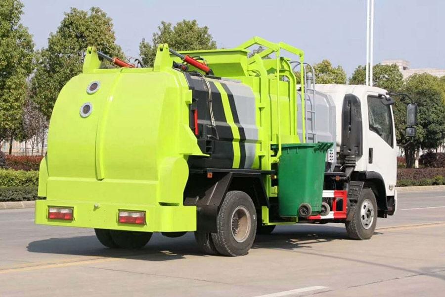 东风8吨餐厨垃圾车右后侧图片