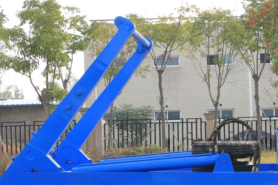 国六3吨摆臂垃圾车大臂图片