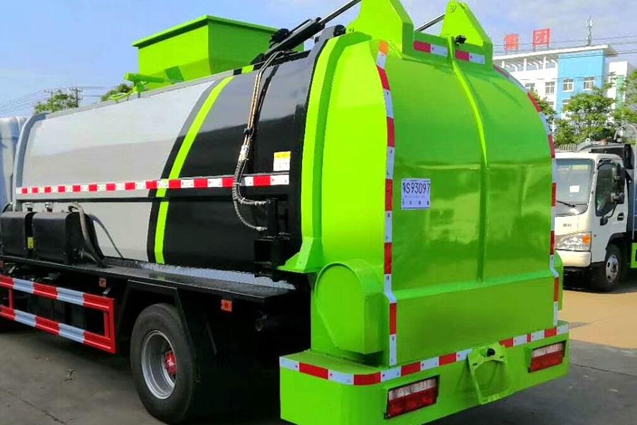 国六5吨餐厨垃圾车上装图片1