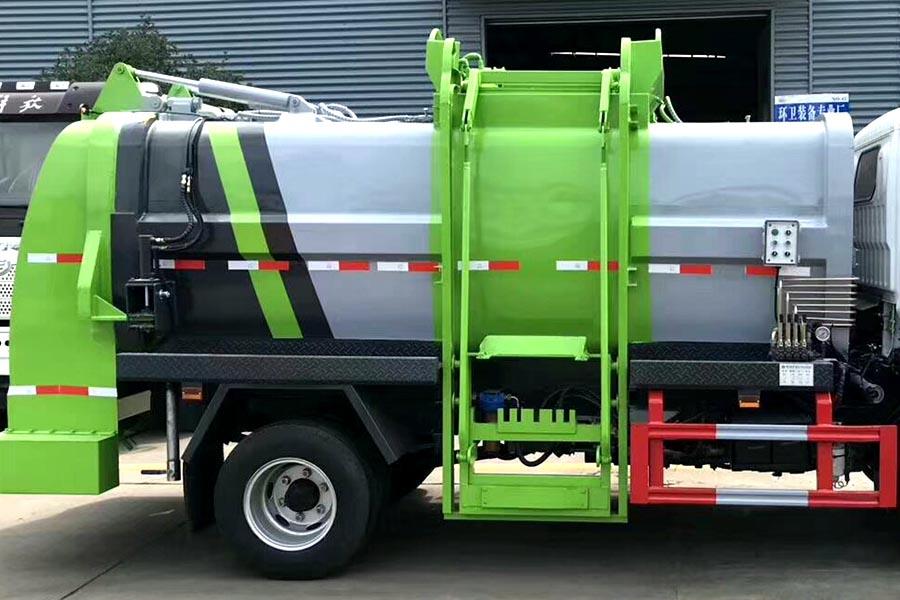 国六5吨餐厨垃圾车上装图片4