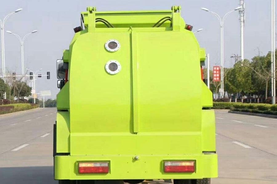东风8吨餐厨垃圾车上装箱体后侧图片