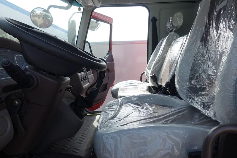 柳汽15吨散装饲料车座椅